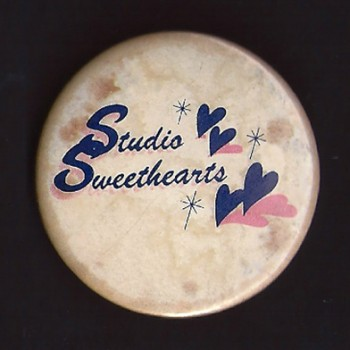 Studio Sweethearts Badge