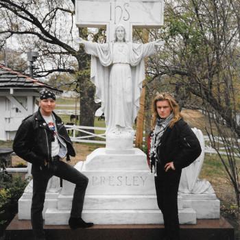 "Visiting ""The King's Grave"" with Matt Sorum"