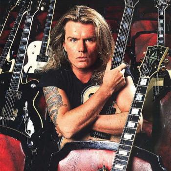 Billy & his guitars – 'Sonic Temple' era