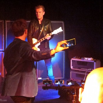 Billy Duffy filming the Nokia challenge