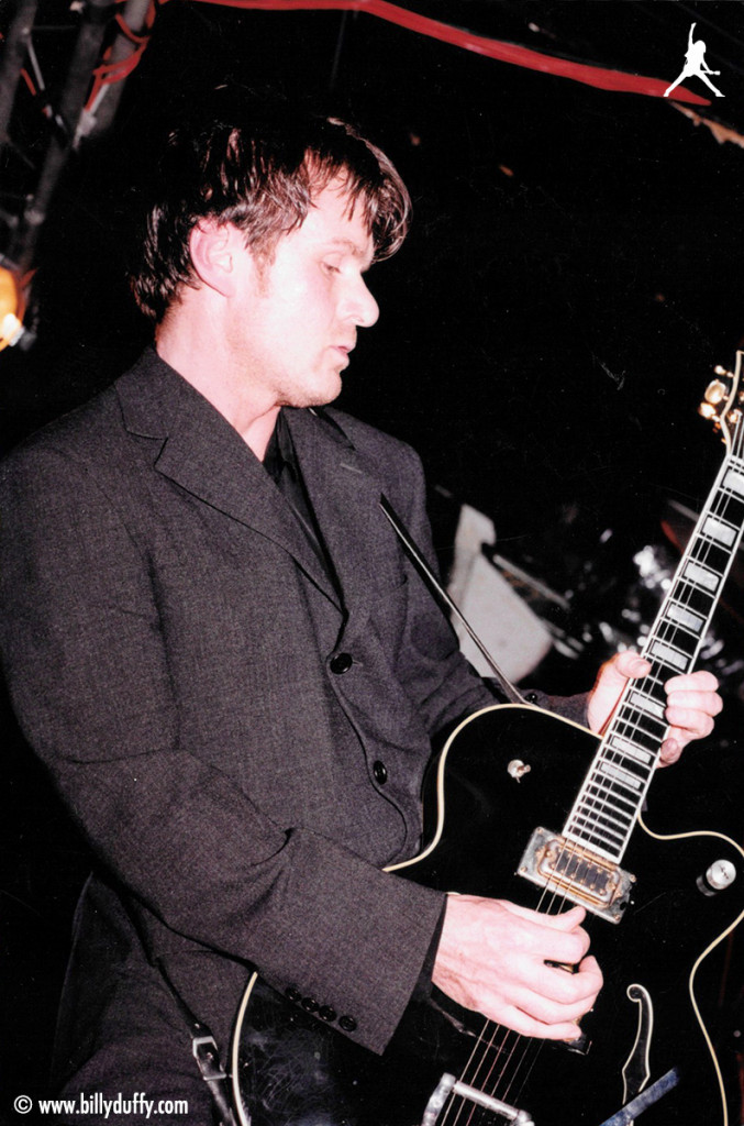 Onstage with Coloursound and the black Gretsch