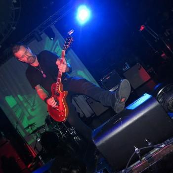 Rocking Revolution Live