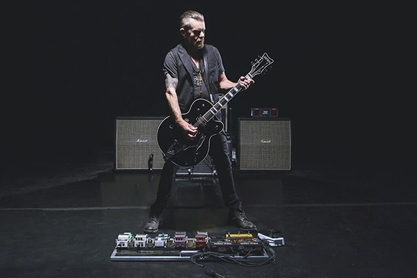 Billy Duffy in The Pursuit of Tone