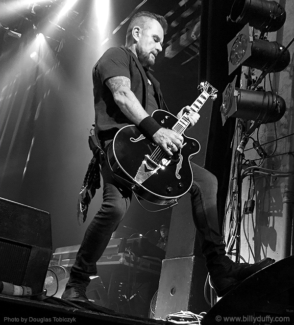 Billy Duffy of The Cult live in Montreall